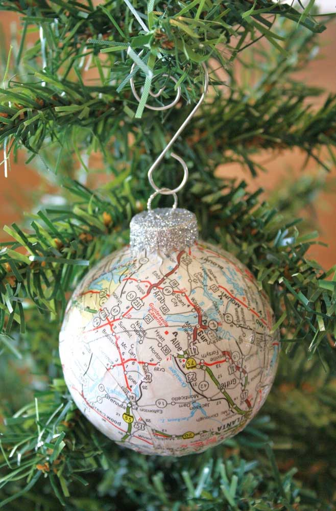 50. For those who love to travel, nothing better than making a ball with the world map.