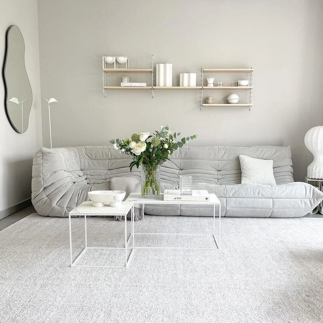 05. Light and airy interior in white shades