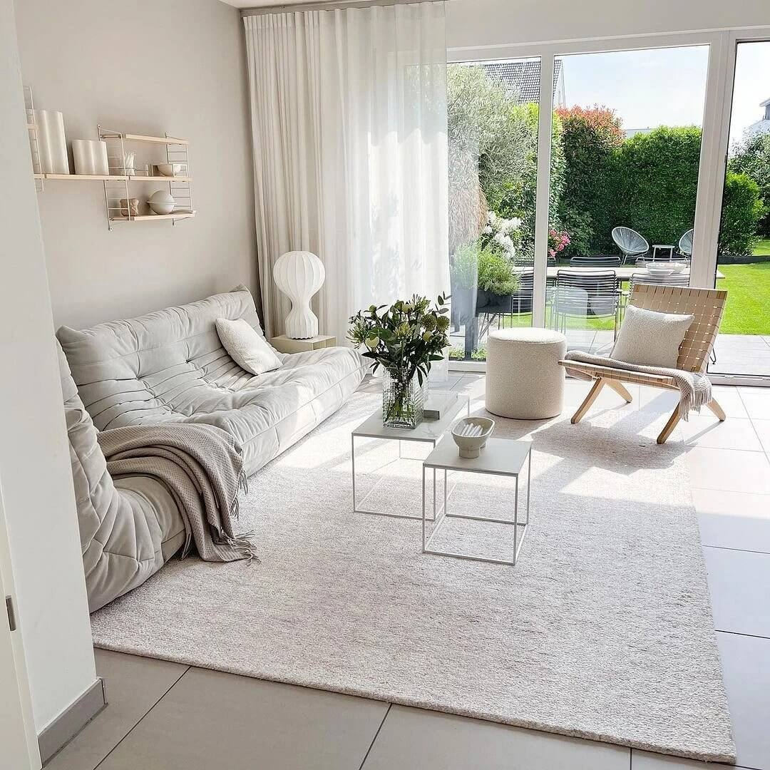 06. Light and airy interior in white shades