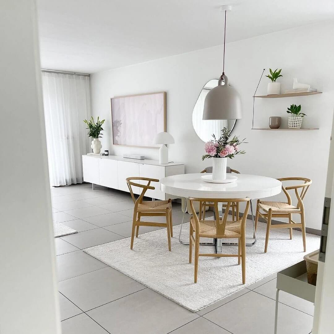 07. Light and airy interior in white shades