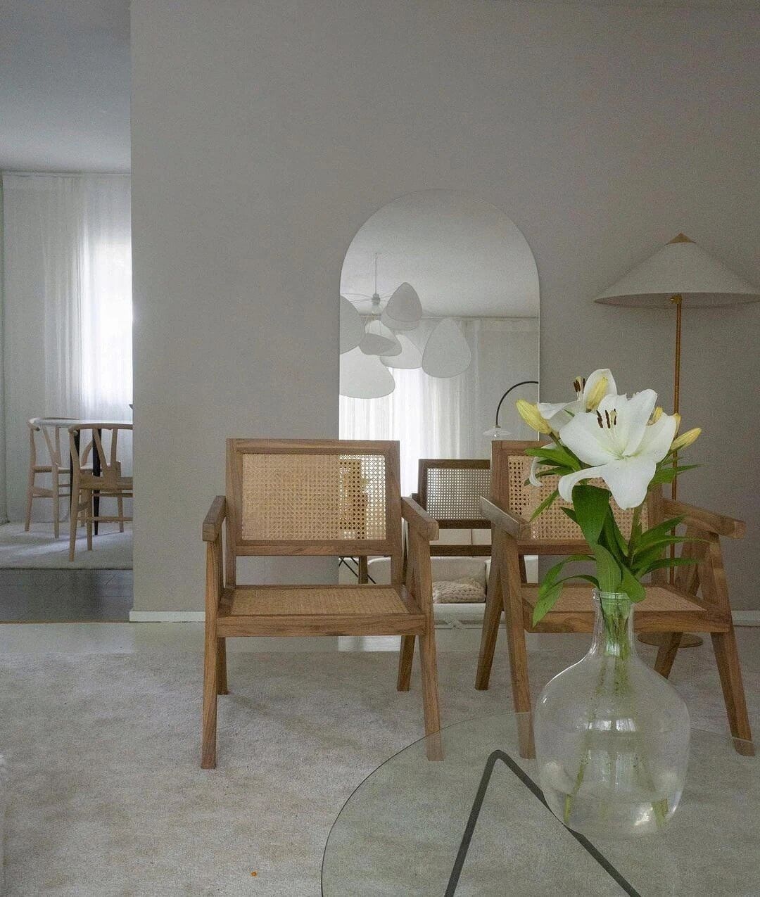 1. Stylish space with natural motives