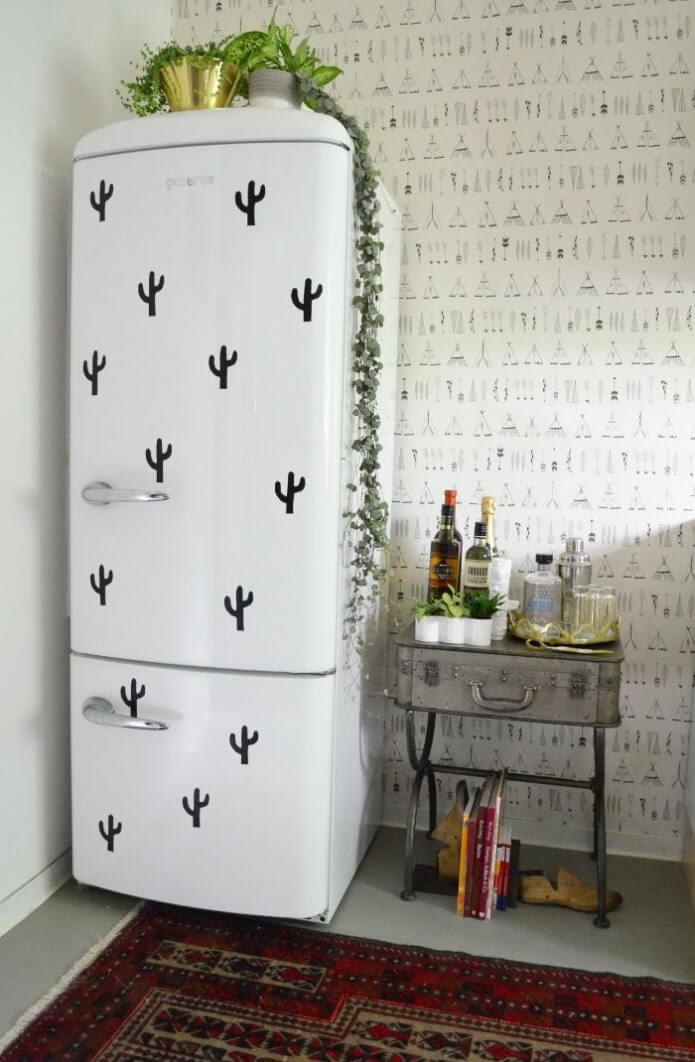 18. Refrigerator decor