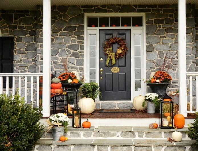 27. Door decorations