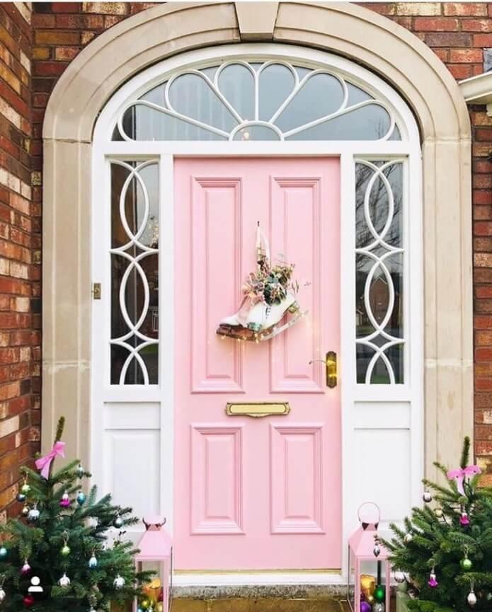 28. Door decorations