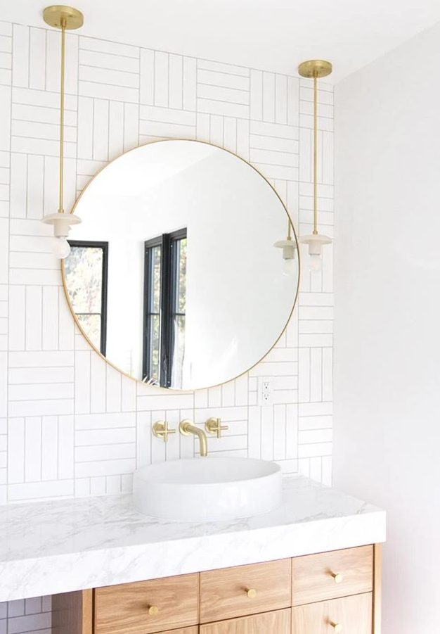 A white and gold bathroom
