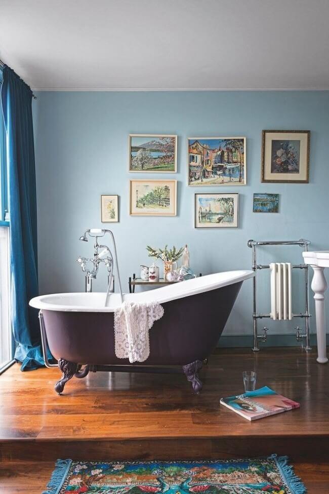 Beautiful interior with cast iron bathroom