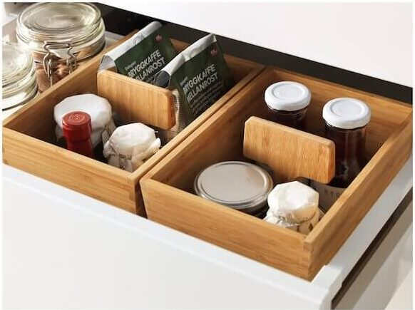 8. Containers and shelf insert