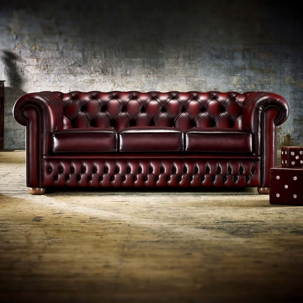 Will the Chesterfield Sofa Work in a Modern Living Room (3)