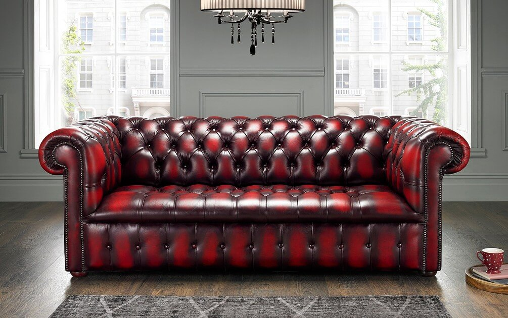 Will the Chesterfield Sofa Work in a Modern Living Room (4)